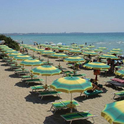 10 spiaggia attrezzata mar y sol gallipoli