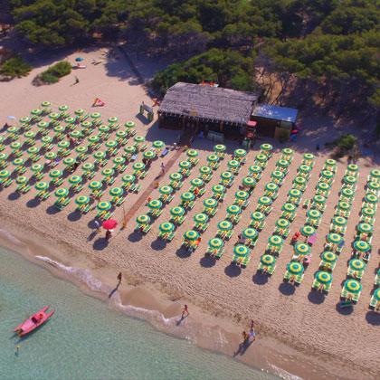 spiaggia attrezzata padula bianca